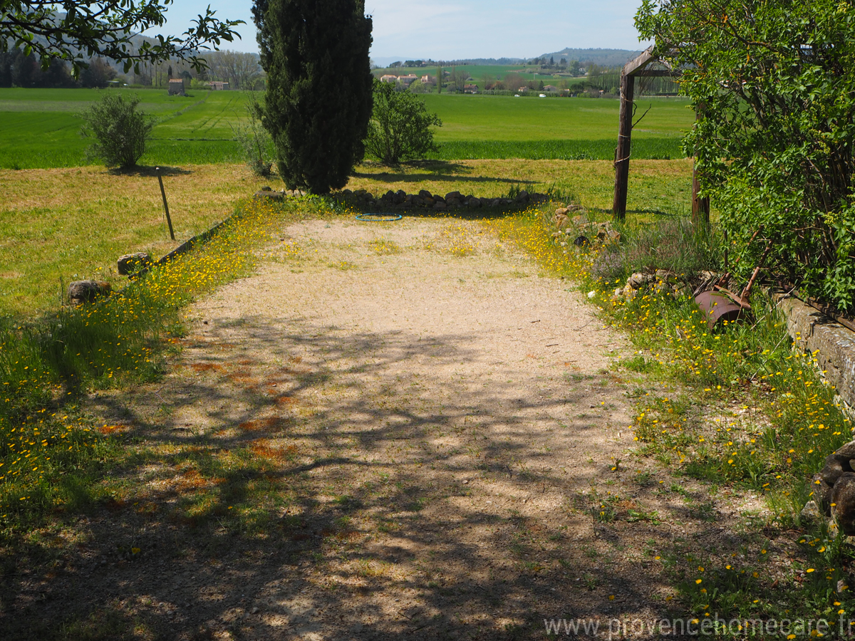 Dimension Terrain De Petanque Maison location de vacances en provence | le prieuré | provence